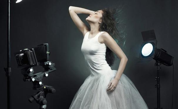 Скидка на Скидка до 97% на профессиональную фотосессию с созданием образа, макияжем, реквизитами в сети фотостудий DayTimes